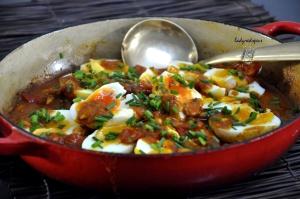 eggs tomato curry