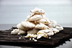 macadamia meringues done