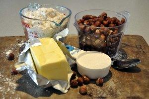 Julia's hazelnut bisc ingreds