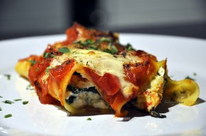 Spinach Ricotta Canneloni served 2
