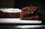 flourless chocolate brownie with raspberries